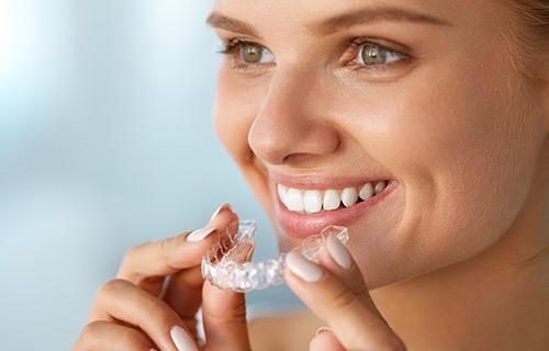 Clínica boutique Dental Madrid – ortodoncia - Con este tratamiento podemos moverte los dientes de forma sencilla y conservadora para mejorar tu mordida y tu estética
