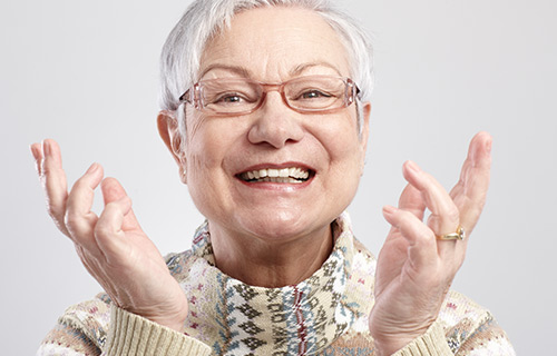 Clínica boutique Dental Madrid – rehabilitación oral - Con la prótesis dental sustituimos piezas perdidas en la boca o bien dientes que tenemos en muy mal estado mediante distintos procedimientos.
